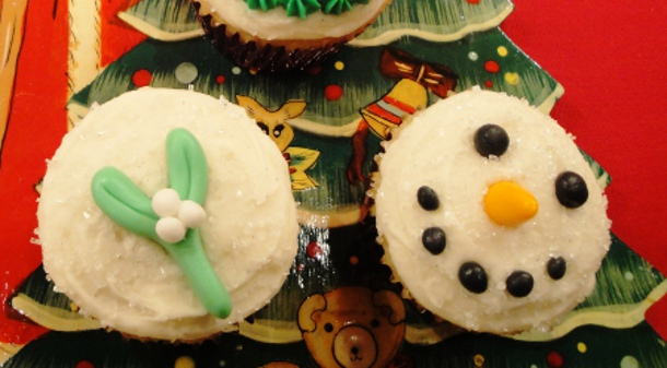 online bakery, custom made cakes, kids' baking, sweet treats, holiday treats