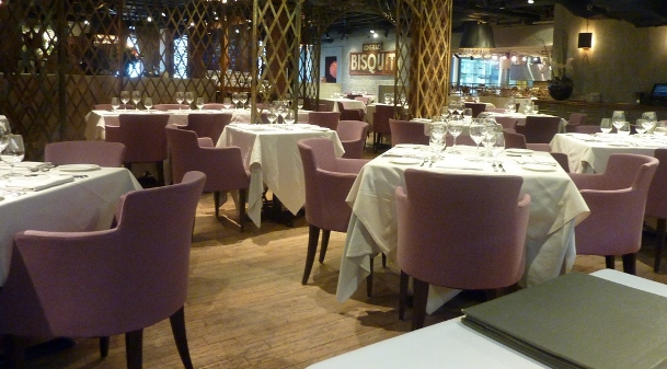 George restaurant interior