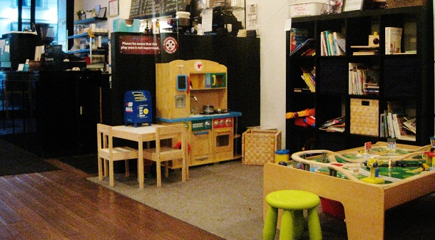 kids friendly cafe, playful grounds