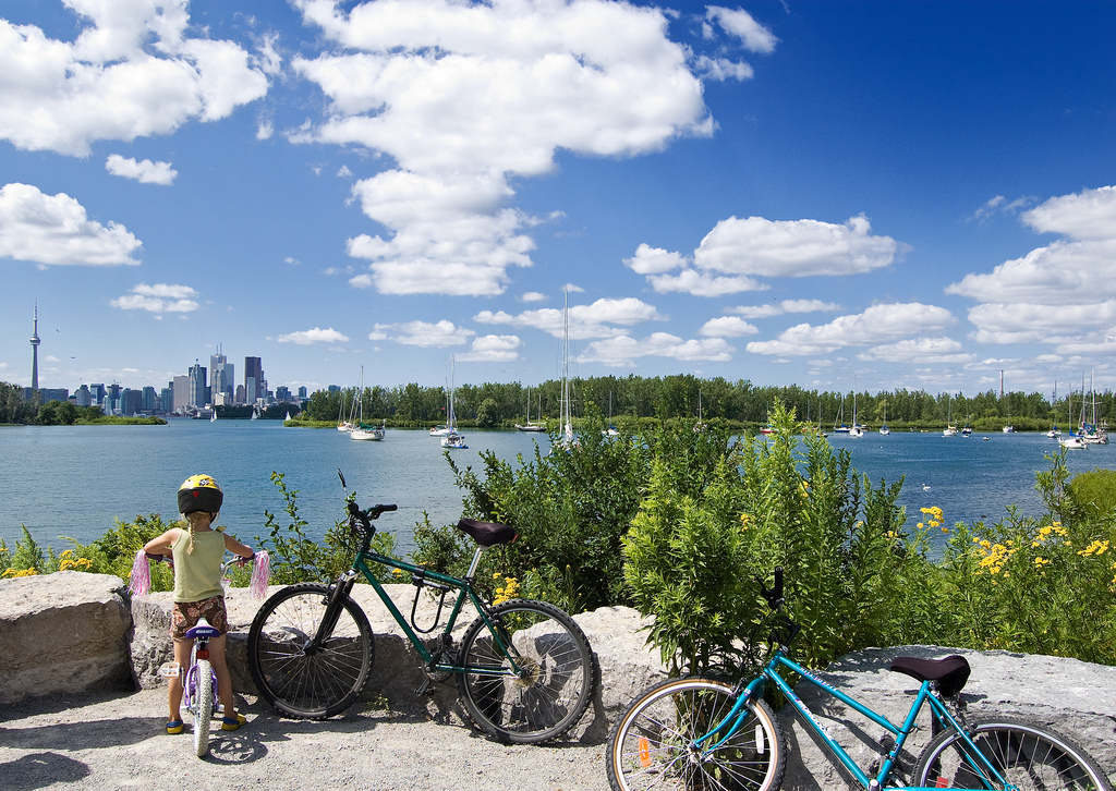 Family Bike Paths Toronto, Tommy Thompson Park, photo Kiril Strax